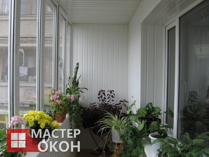 Остекление балконов и лоджий с отделкой в Северске